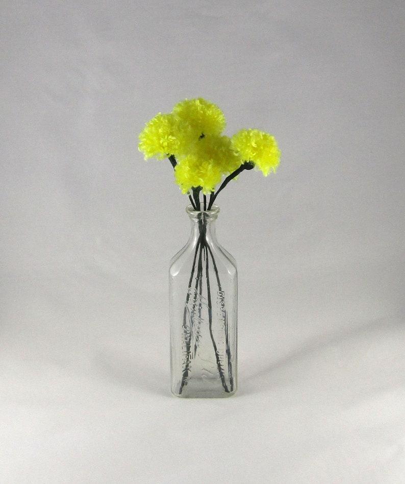 Yellow Pom Pom Flowers Set of 5  Yarn Dandelions   Yarn image 0