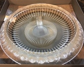 Large French LALIQUE Crystal quot MARGUERITES quot Bowl No. 1100400 (1004) Mint condition, with box 14 inches 10 pounds
