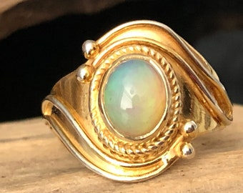Opal 14ct Gold on 925 Sterling Silver Silver Classic Style Statement Ring.