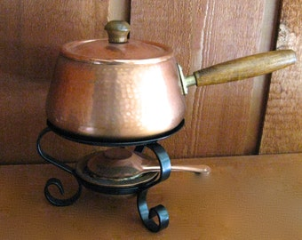 Vintage c. 1960 Rustic Hammered Copper Fondue Set with Wooden Handles - Medium Size
