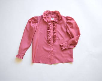 513dd3e0 1970s pink ruffle blouse | size small- medium | ruffle collar cuffs
