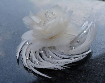Feather Wedding Barrette, Feather Fascinator, Feather flower, Rustic Wedding, Woodland Wedding, Fall Wedding Hair Clip, Hair Comb, Crystals,