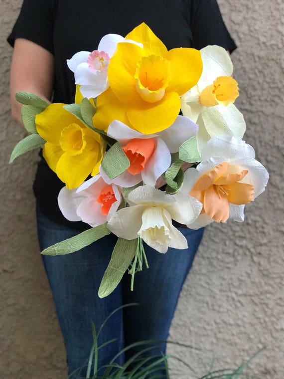 Crepe paper flower bouquet-Daffodil Bouquet Paper Flower