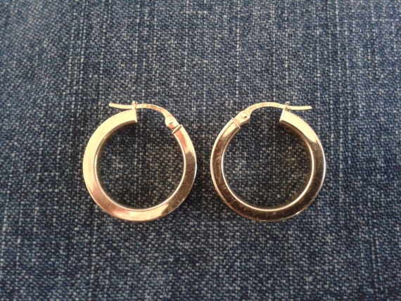 Beautiful 9ct Gold Hoop Earrings - image 2