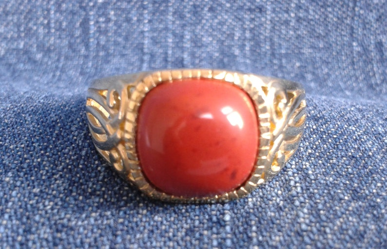 Vibrant Ox Blood Coral and 9 ct Gold Ring