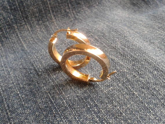 Beautiful 9ct Gold Hoop Earrings - image 5