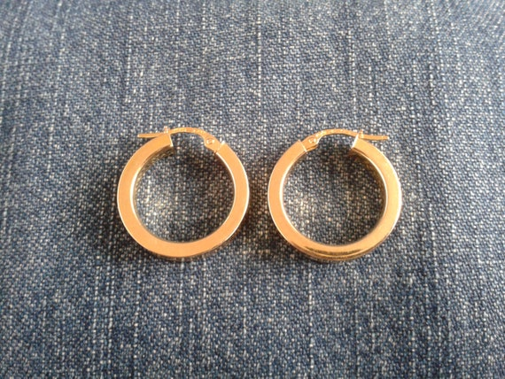 Beautiful 9ct Gold Hoop Earrings - image 1