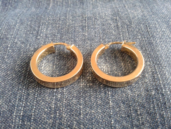 Beautiful 9ct Gold Hoop Earrings - image 3