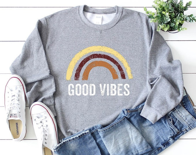 Good Vibes Sweatshirt / Retro / Rainbow