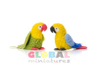 Dollhouse Miniatures Pair of Colorful Parrot