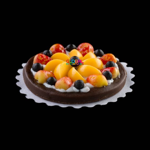 1:12 Scale Dollhouse Miniatures Round Fruit Tart with Glass Bottle of Jam