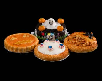 Dollhouse Miniatures Handcrafted Clay Set of Halloween Tart and Deep Filled Pie with Ghost Cake Food Festival Sweets Dessert Decoration