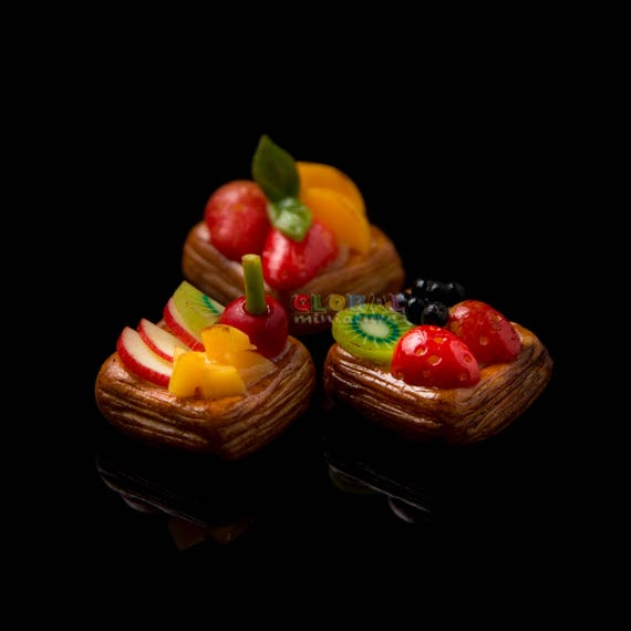 14 10 Chocolate Tart Strawberry Fruit Bakery Dollhouse Miniatures Food Deco