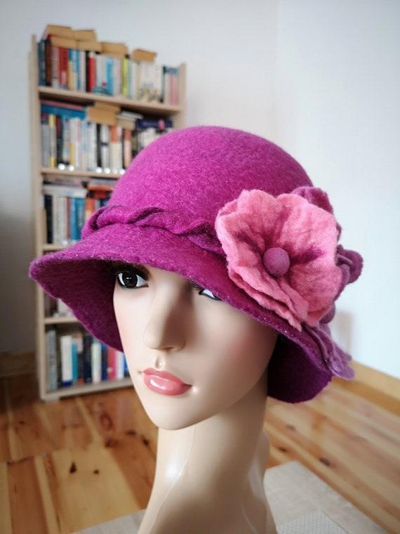 CAPPELLO in feltro rosa e viola signore cappello con fiori  8f8c5c2e9900