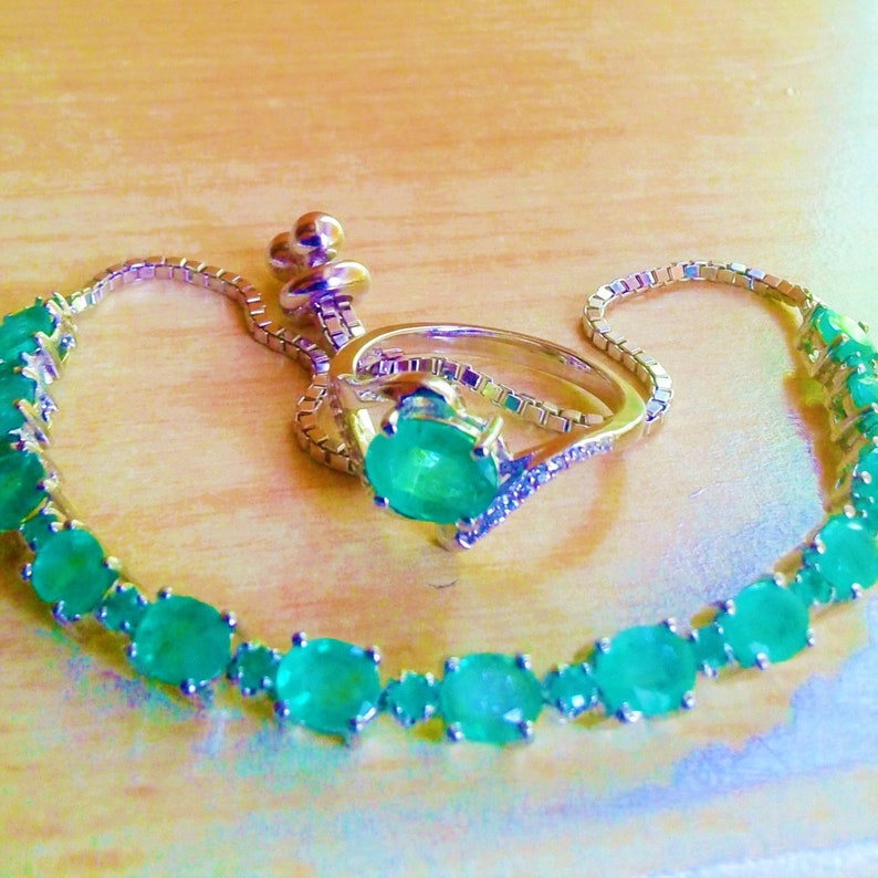 natural  unheated emerald on the ring size 7 12 and 6 mm on the bracelet 925 silver sterling 8x6 mm
