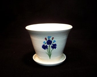 Standing Planter with tray, in a white glaze with bouquet of blue, turquooise 4.5x5.5