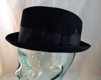 d8db1b3d8df Vintage Dobbs of New York Fur Felt Fedora Black with Black Grosgrain  Hatband Size 7 1 8 01875