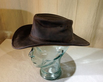 a626ab1c66459 A Genuine Jackaroo Australian Made Brown Oiled Leather Hat Size 7 to 7 1 8  02501