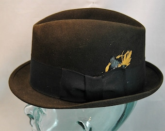 233a38a0ab052 Vintage Royal Stetson Fedora Black with Black Hatband featuring Multicolor  Feather Size 7 1 8 01393