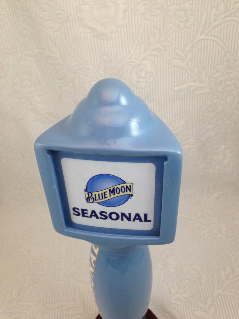 Blue Moon Tap Handle for Their Seasonal Ales 10 Inch Blue Ceramic with Changeable Face    02817