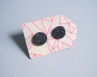 Round leather and glitter black, Silver earrings 925
