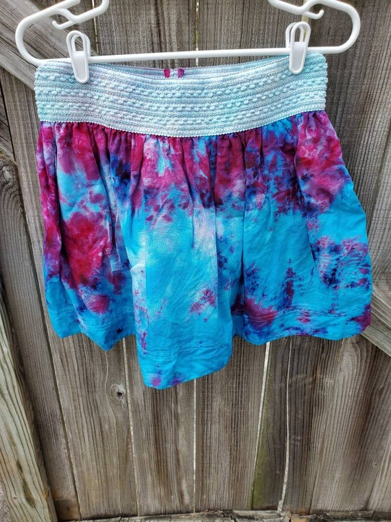 Tie Dye Skirt , Upcycled Tie Dye Skirt , Festival Skirt , Woodstock Skirt , One of a Kind Skirt , Medium Skirt , Boho Skirt , Hippie Skirt