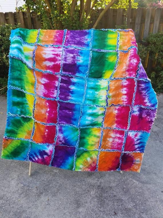 Tie Dye Rag Quilt Tie Dye Lap Quilt Tie Dye Gift Tie Dye Dorm Decor Tie Dye Blanket Tie Dye Throw Tie Dye Graduation Gift Tie Dye Quilt