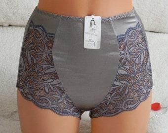 high waist lingerie,plus size panties,handmade panties,lingerie cross dressing,bbw woman,lace lingerie,lace underwear,lingerie,crotchless