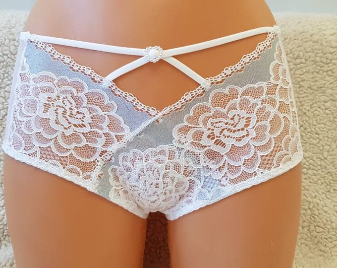 Handmade white,crotchless panties,lace thong,wedding,lace crotchless,shorts,lace panties,sexy lingerie woman,night thong,white flowers,lace