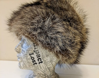 8228a78dbef50 Vintage 1970 s Creation Vittorio Authentic Fur Hat - Trapper Hat Inspired