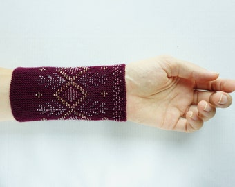 Maroon beaded wrist warmers/ knitted wristlets with beads / woollen cuffs – ready to ship