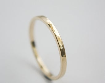Stackable Ring hammered in 10k Yellow Gold / Gold Ring / hammered Ring / stackable band / stackable ring  / Yellow Gold band / Gold band