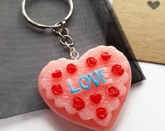 Pink resin love heart keyring