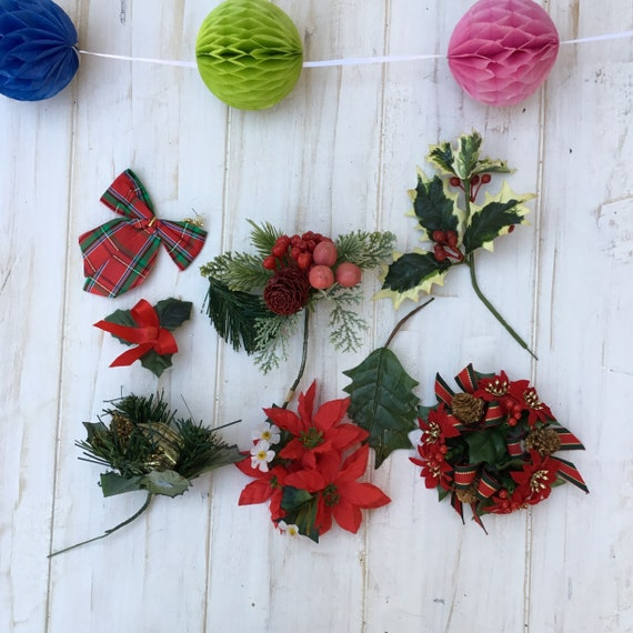 Bundle Vintage Christmas Table Decoration Holly Berries Cones Wreath Craft  Crackers Decorations Up Cycle Craft