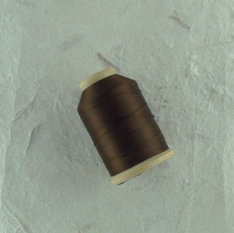 d97f923464e7 PURA seda carrete Color 909 tamaño marrón Chocolate B