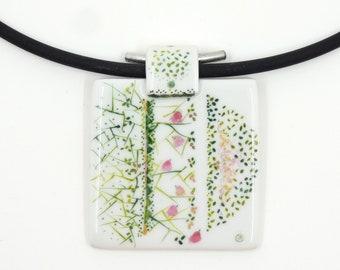 Porcelaine Pendant,Pendentif en Porcelaine,Collier,Pendentif Carré enchanté,Green Pendant with Pink Birds