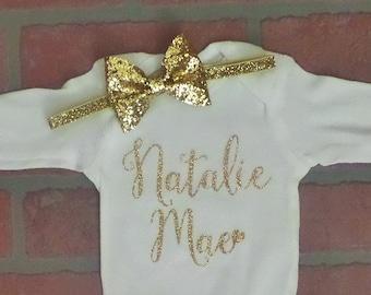 SET Glitter Name Onesie. Personalized onesie. Baby Girl Custom Onesie. Name with heart onesie with glitter gold headband