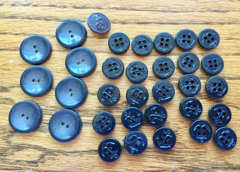 Vintage Navy military uniform buttons lot of 33 anchor buttons one Marine  Corps sew through style and shank like new condition