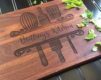 Cutting Board,Custom Cutting Board, Moms Kitchen, Friend Gift, Christmas Gift, Mother's Day, Gift for Her, Bride Gift, Womans Gift