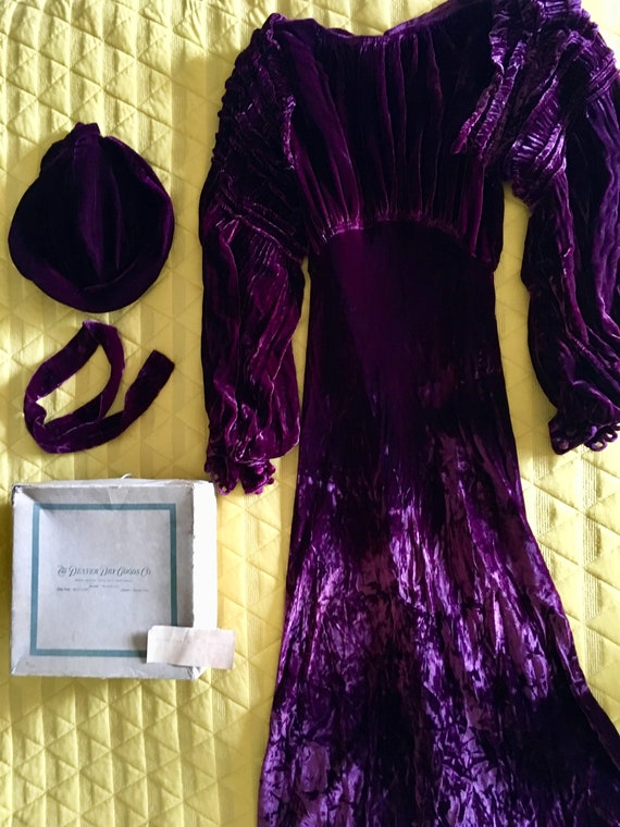 1930's Silk Velvet Gown with Accessories - image 5