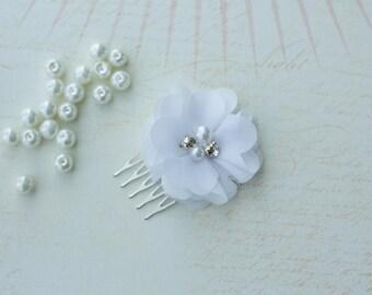 Wedding Head Piece,Bridesmaid Gift, Bridesmaid Hairpiece,White Hair Accessories,Wedding Hair accessory,Bridal Barrette,Bridal Hair Comb
