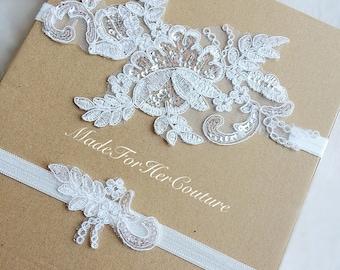Ivory Lace Garter, Lace Wedding Garter Set, Lace Garter, Vintage Garter set, Keepsake Garter set, lace bridal garter, pearl lace garter set