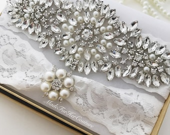 White Wedding Garter Set, White Bridal Garter Set, Rhinestone Garter Set, Crystal Pearl Garter Set, Vintage Garter, Wedding Garter Belt,