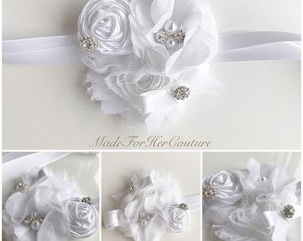 White wedding Corsages, rustic Wrist Flower, Wrist Corsage, rustic Wedding Corsage, white Corsage, Wedding Wrist Band, rustic wrist band