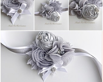 Gray corsage, Wrist Flower, Wrist Corsage, Wedding Corsage, Corsages, White Corsage, Wedding Wrist Band, Wedding wrist corsage, prom crosage