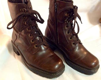 Leather Brown/shoes lace up boots / woman/girl/all leather/Brown/Brown/size/Size 7.5/Distressed Laced Boots