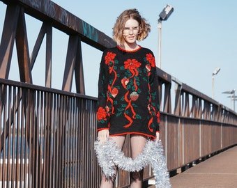 Vintage christmas sweater    vintage christmas knitted sweater    christmas jumper    reindeer jumper    reindeer sweater    santa sweater