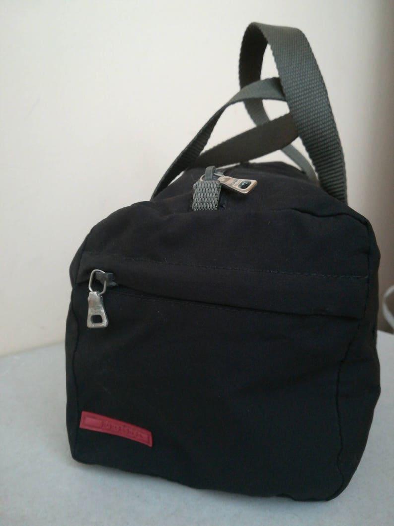 0eff3cb2bc9ac Prada Canvas Tasche kleine Sporttasche.