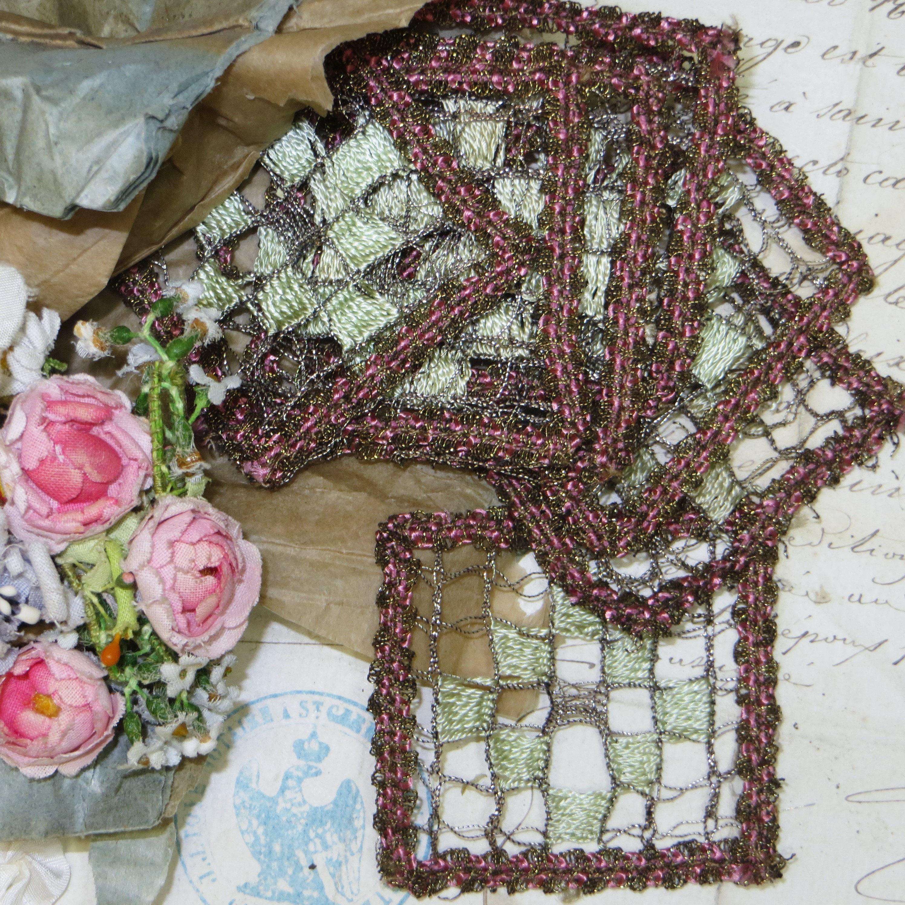 des années 1920 appliques en métal rose Antique Français fil céleri  métallique or broderie Bronze lingots 99d90820298