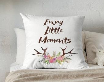 Throw Pillow - Deer Pillow - Decorative Pillow - Deer Decor - Decorative Cushion  - Home Decor - Accent Pillow - Modern Pillow - Sofa Pillow